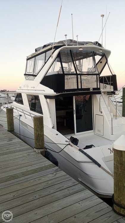 1996 Sea Ray boat for sale, model of the boat is 550 Sedan Bridge & Image # 12 of 40