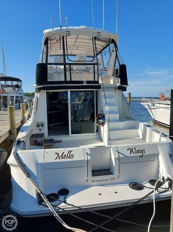 1996 Sea Ray boat for sale, model of the boat is 550 Sedan Bridge & Image # 17 of 40