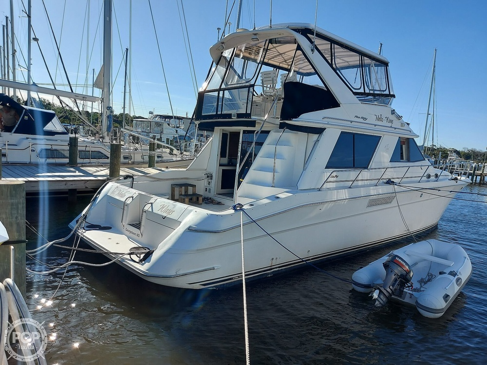 1996 Sea Ray boat for sale, model of the boat is 550 Sedan Bridge & Image # 15 of 40