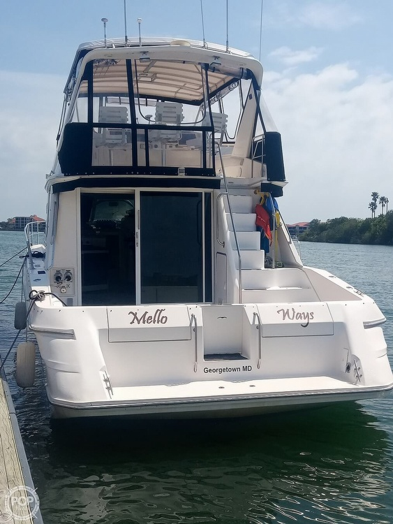 1996 Sea Ray boat for sale, model of the boat is 550 Sedan Bridge & Image # 11 of 40