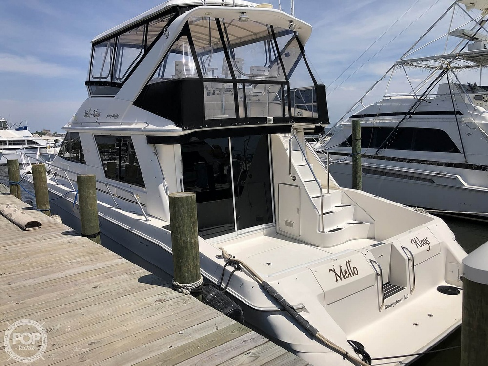 1996 Sea Ray boat for sale, model of the boat is 550 Sedan Bridge & Image # 21 of 40
