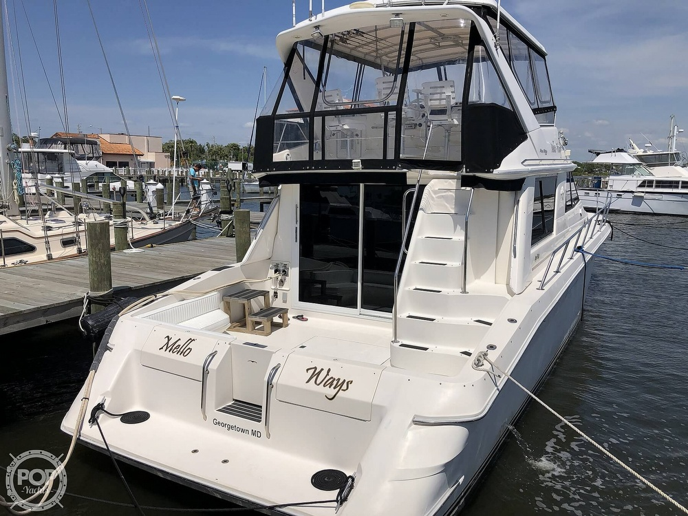 1996 Sea Ray boat for sale, model of the boat is 550 Sedan Bridge & Image # 24 of 40