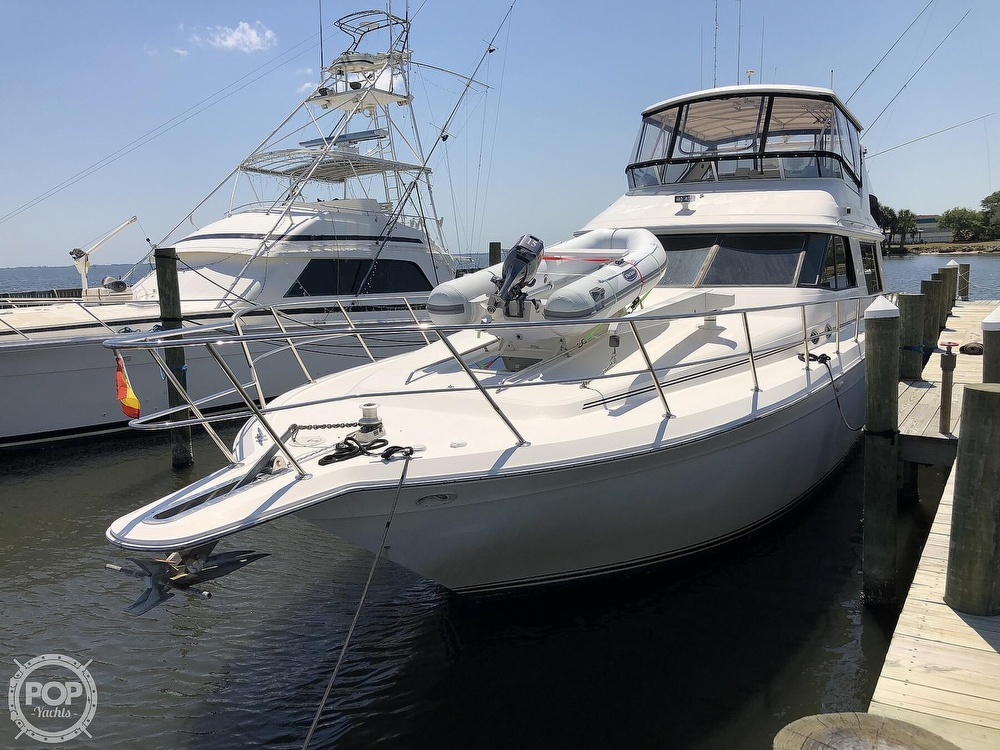 1996 Sea Ray boat for sale, model of the boat is 550 Sedan Bridge & Image # 2 of 40