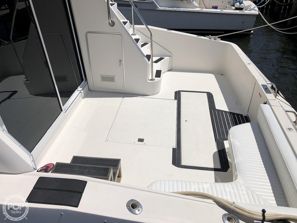 1996 Sea Ray boat for sale, model of the boat is 550 Sedan Bridge & Image # 38 of 40