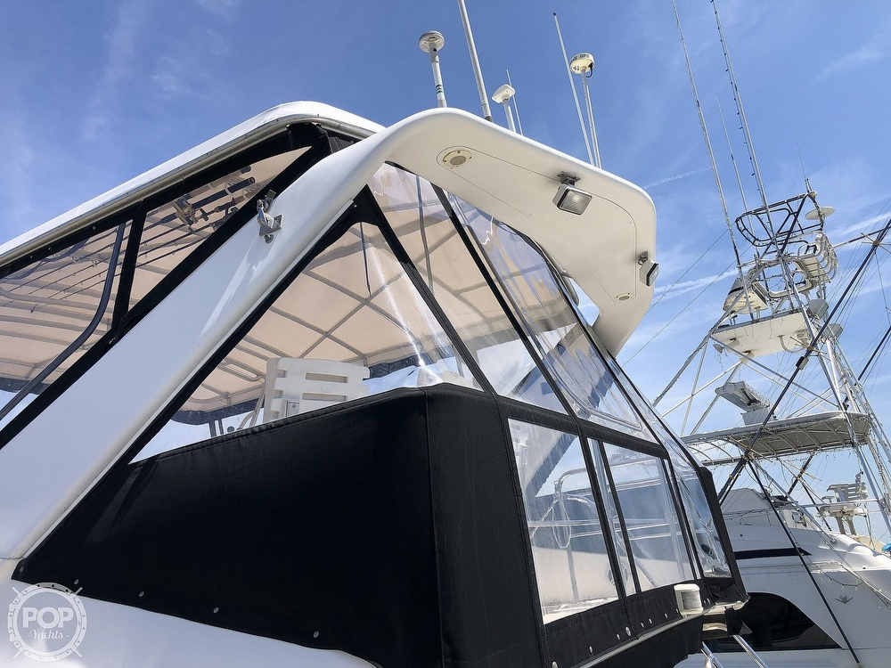 1996 Sea Ray boat for sale, model of the boat is 550 Sedan Bridge & Image # 39 of 40