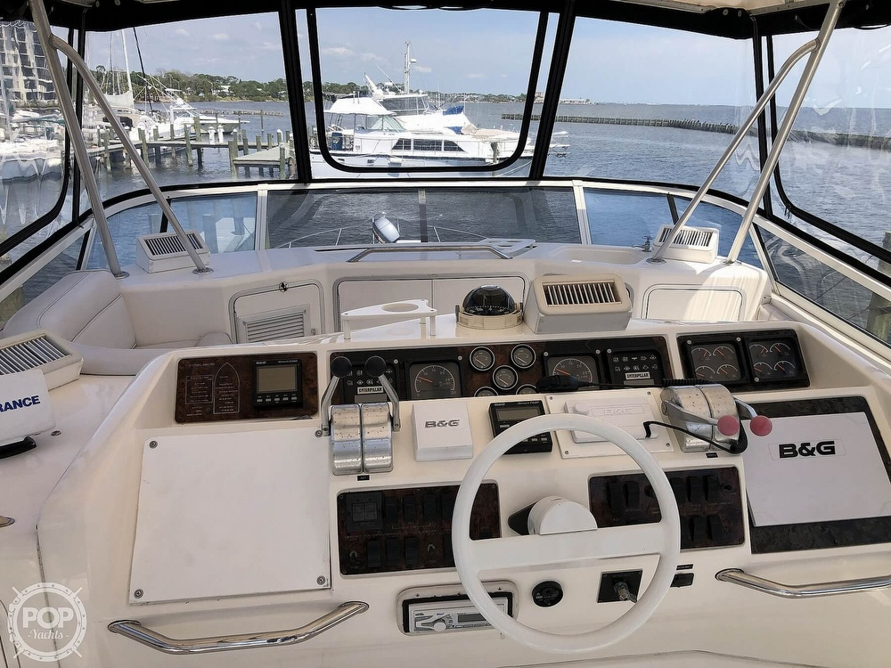 1996 Sea Ray boat for sale, model of the boat is 550 Sedan Bridge & Image # 3 of 40