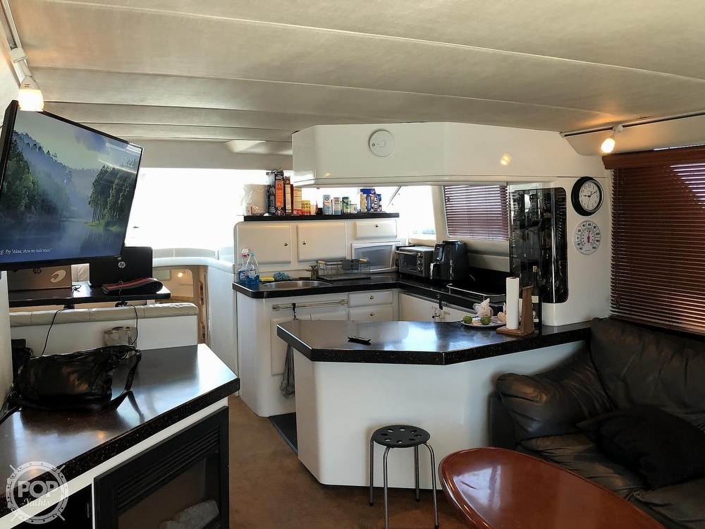 1996 Sea Ray boat for sale, model of the boat is 550 Sedan Bridge & Image # 9 of 40
