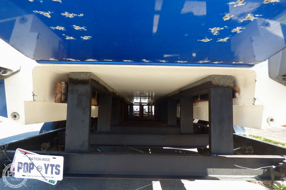 2004 Warlock boat for sale, model of the boat is 36 SXT & Image # 33 of 40