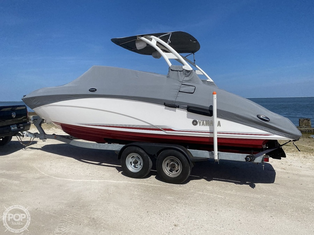 2019 Yamaha boat for sale, model of the boat is 242 Limited S & Image # 5 of 40