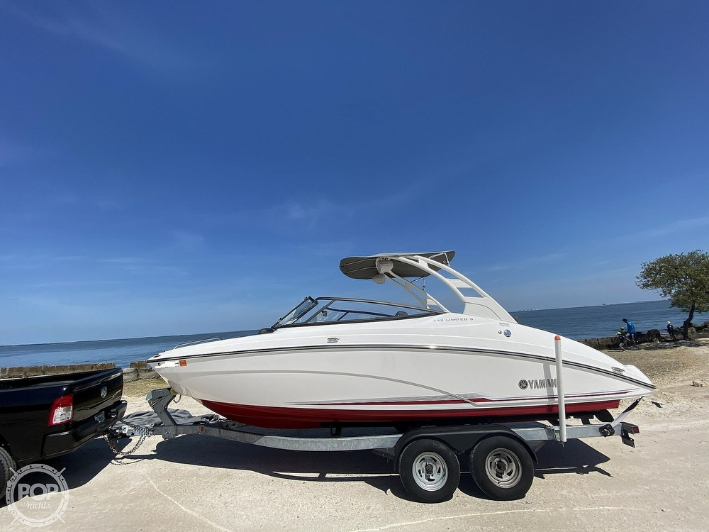2019 Yamaha boat for sale, model of the boat is 242 Limited S & Image # 10 of 40