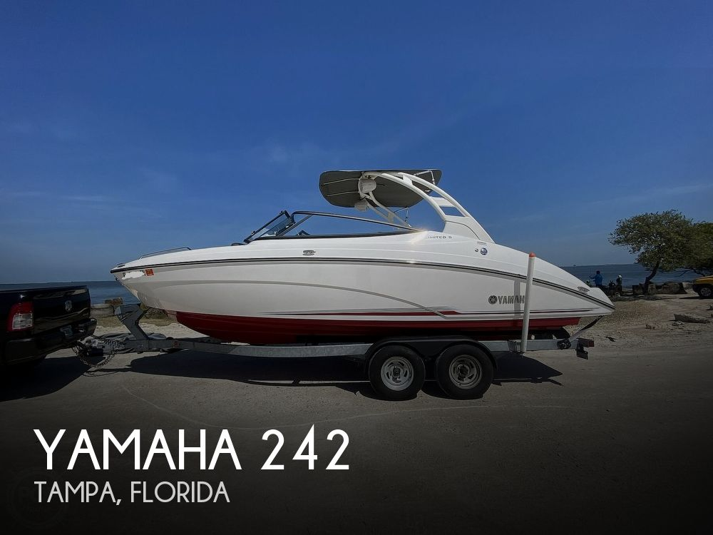 2019 Yamaha boat for sale, model of the boat is 242 Limited S & Image # 1 of 40