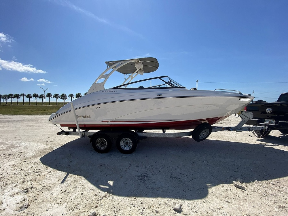 2019 Yamaha boat for sale, model of the boat is 242 Limited S & Image # 16 of 40