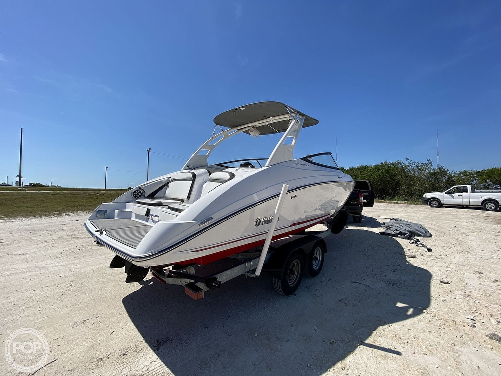 2019 Yamaha boat for sale, model of the boat is 242 Limited S & Image # 17 of 40