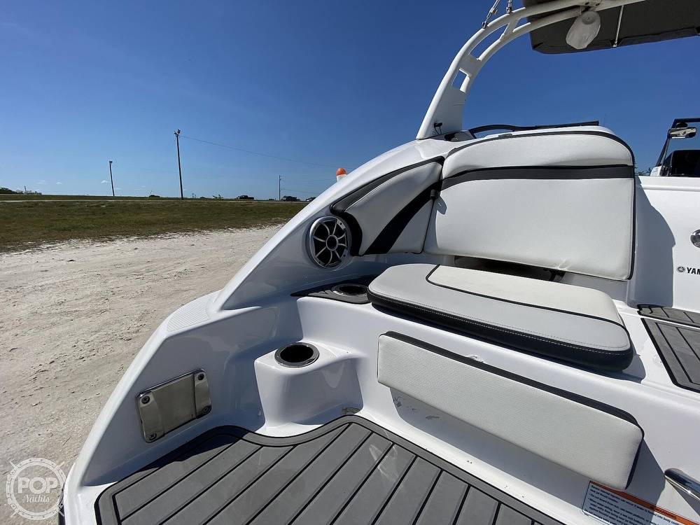 2019 Yamaha boat for sale, model of the boat is 242 Limited S & Image # 23 of 40