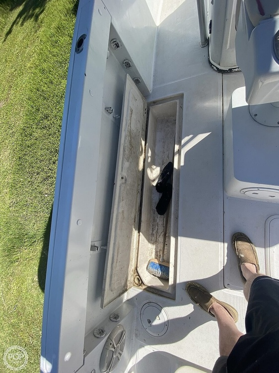 1998 Robalo boat for sale, model of the boat is 2620 & Image # 35 of 40