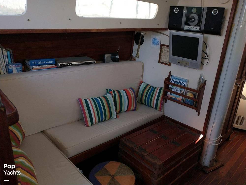 1967 Islander boat for sale, model of the boat is 37 Wayfarer & Image # 32 of 40