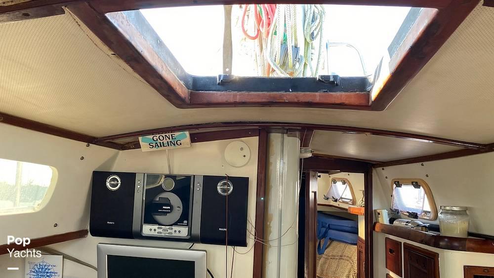 1967 Islander boat for sale, model of the boat is 37 Wayfarer & Image # 37 of 40