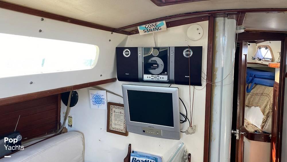 1967 Islander boat for sale, model of the boat is 37 Wayfarer & Image # 39 of 40