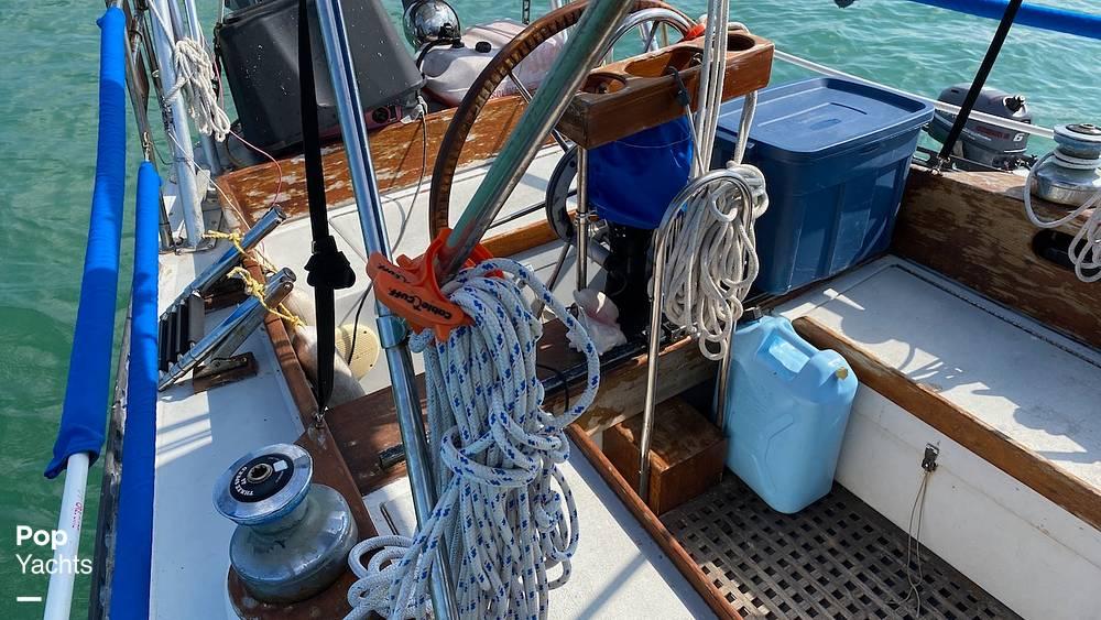 1967 Islander boat for sale, model of the boat is 37 Wayfarer & Image # 24 of 40