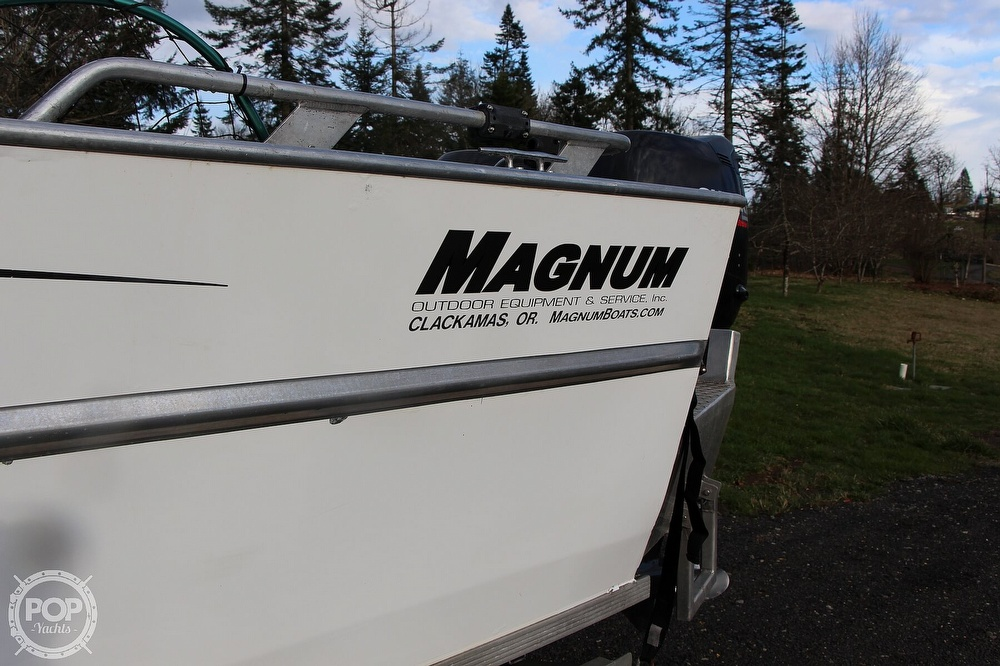 2004 Magnum Marine boat for sale, model of the boat is Ultramag 26 & Image # 4 of 40