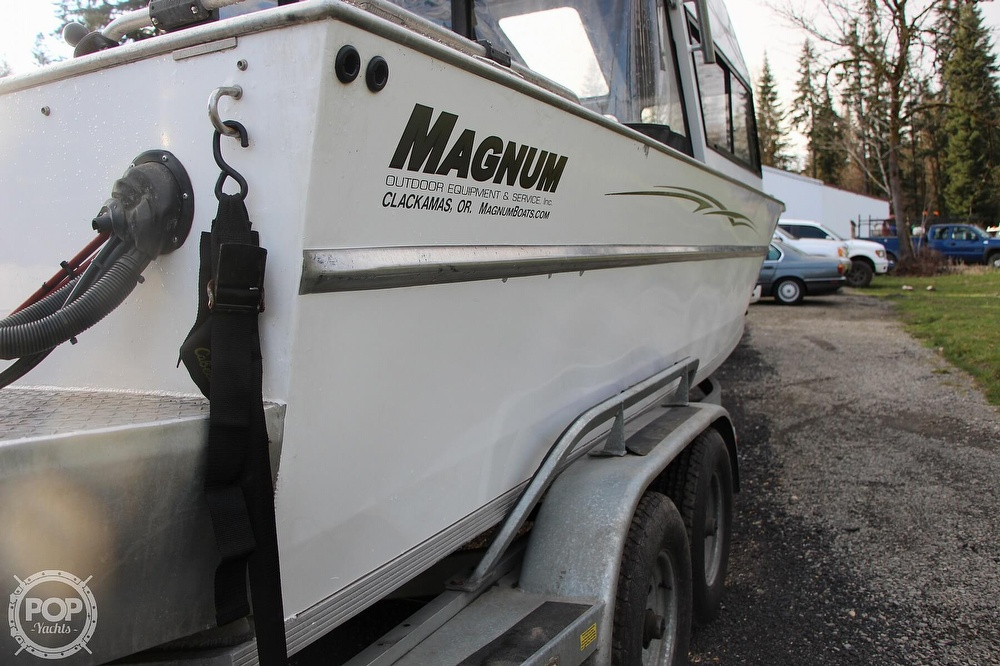 2004 Magnum Marine boat for sale, model of the boat is Ultramag 26 & Image # 12 of 40