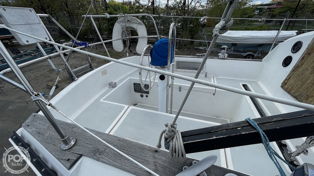 1984 Aloha Yachts boat for sale, model of the boat is 8.2 & Image # 6 of 40