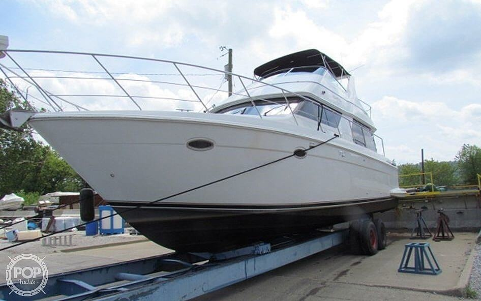 2002 Carver boat for sale, model of the boat is Voyager 450 Pilothouse & Image # 35 of 40