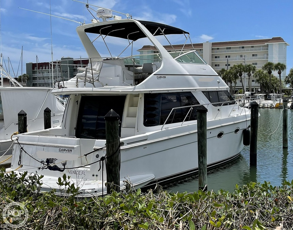 2002 Carver boat for sale, model of the boat is Voyager 450 Pilothouse & Image # 5 of 40