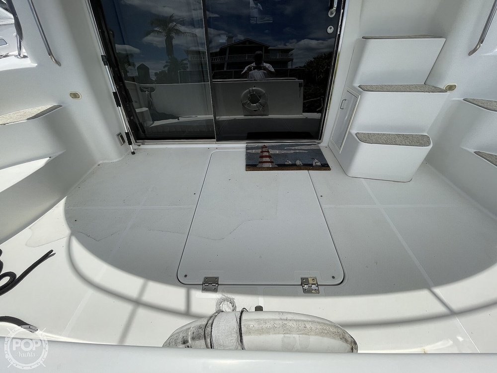 2002 Carver boat for sale, model of the boat is Voyager 450 Pilothouse & Image # 27 of 40