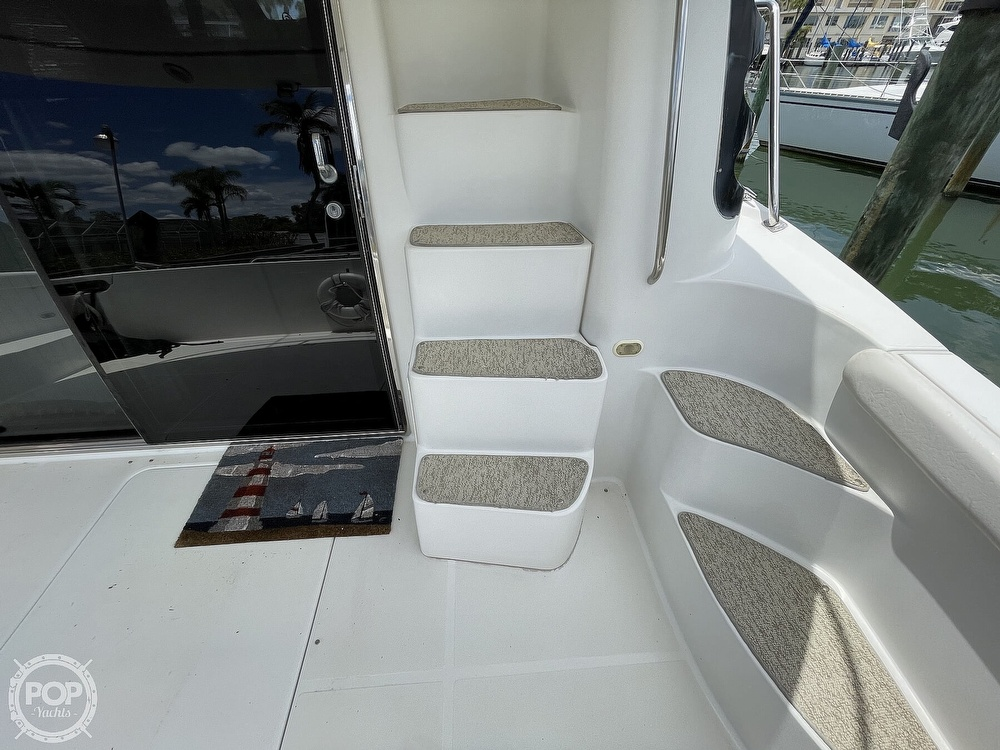 2002 Carver boat for sale, model of the boat is Voyager 450 Pilothouse & Image # 31 of 40