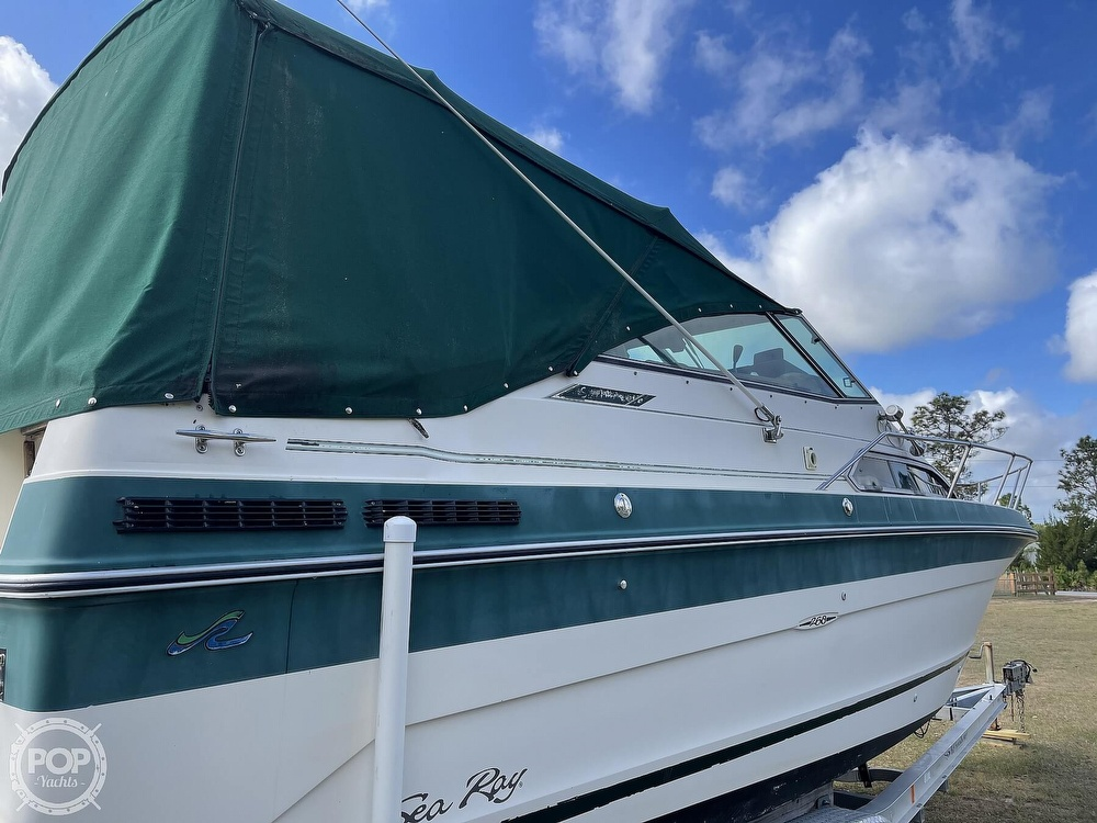 1988 Sea Ray boat for sale, model of the boat is 268 Sundancer & Image # 15 of 40