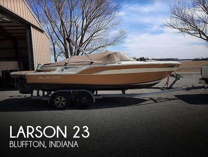 Used Boats For Sale in Fort Wayne, Indiana by owner | 2013 Larson All American 23
