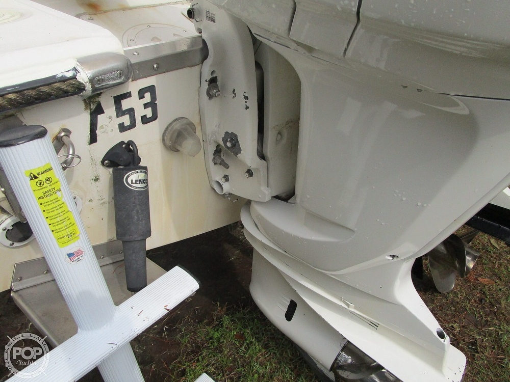 1995 Robalo boat for sale, model of the boat is 2440 & Image # 26 of 40