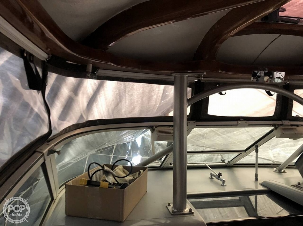 1991 Tiara Yachts boat for sale, model of the boat is 270 & Image # 16 of 40