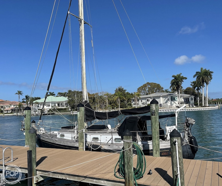 1978 Ta Shing boat for sale, model of the boat is Baba 30 Cutter & Image # 28 of 40
