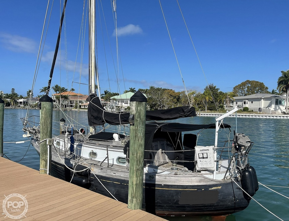 1978 Ta Shing boat for sale, model of the boat is Baba 30 Cutter & Image # 11 of 40