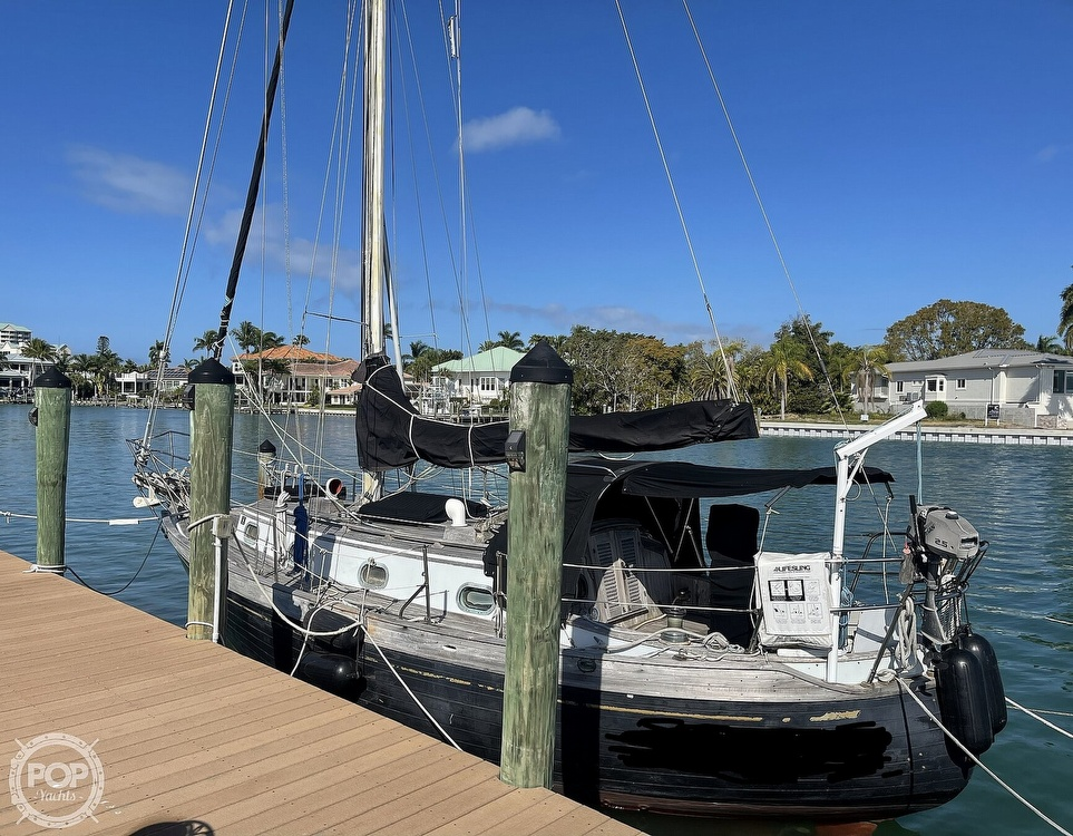 1978 Ta Shing boat for sale, model of the boat is Baba 30 Cutter & Image # 29 of 40