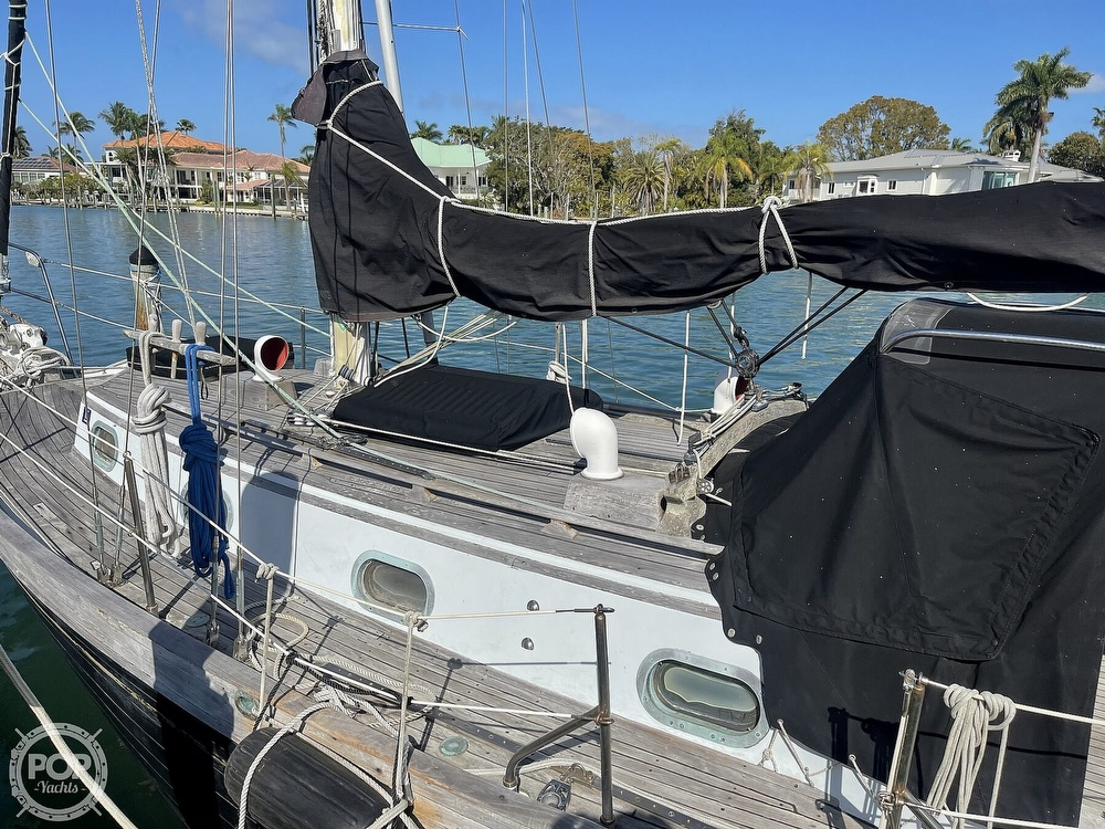 1978 Ta Shing boat for sale, model of the boat is Baba 30 Cutter & Image # 33 of 40