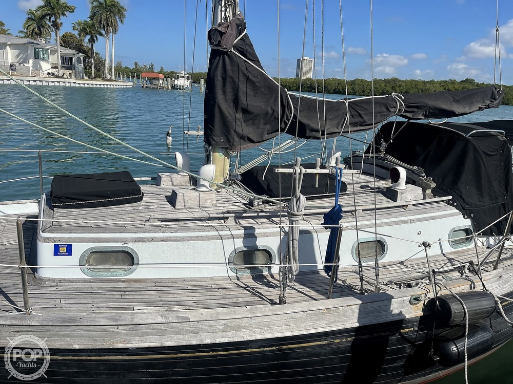 1978 Ta Shing boat for sale, model of the boat is Baba 30 Cutter & Image # 35 of 40