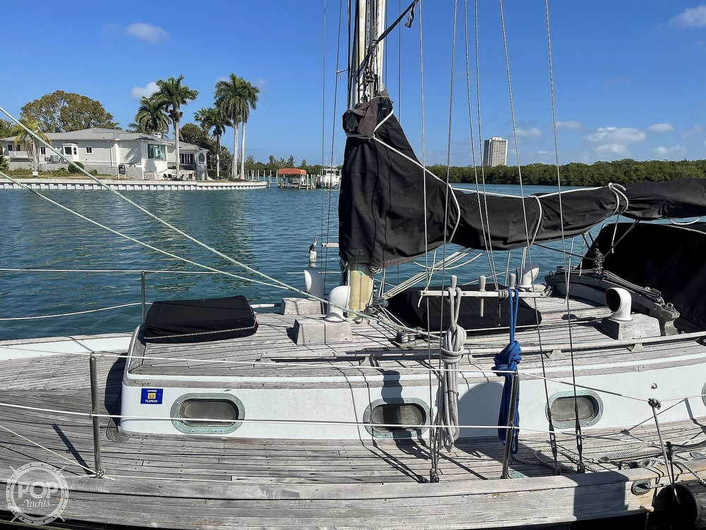 1978 Ta Shing boat for sale, model of the boat is Baba 30 Cutter & Image # 36 of 40