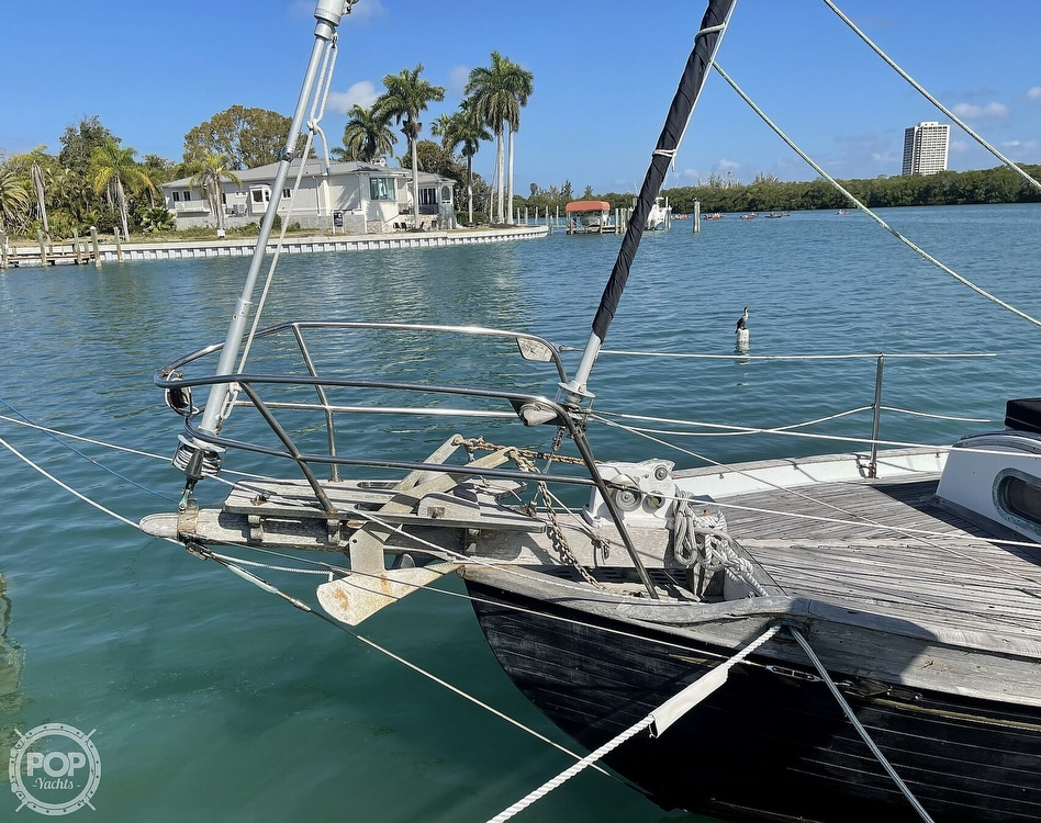 1978 Ta Shing boat for sale, model of the boat is Baba 30 Cutter & Image # 37 of 40
