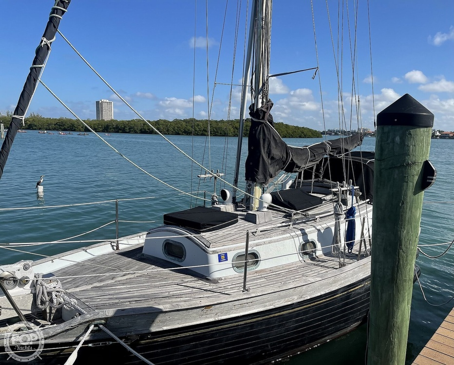 1978 Ta Shing boat for sale, model of the boat is Baba 30 Cutter & Image # 39 of 40