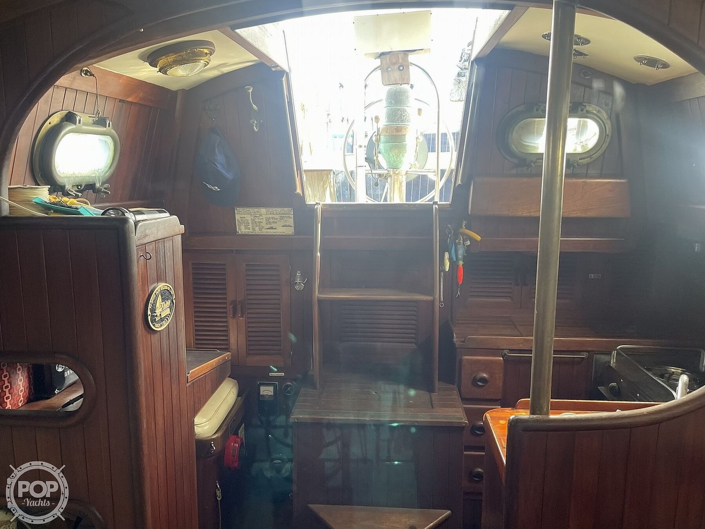 1978 Ta Shing boat for sale, model of the boat is Baba 30 Cutter & Image # 3 of 40