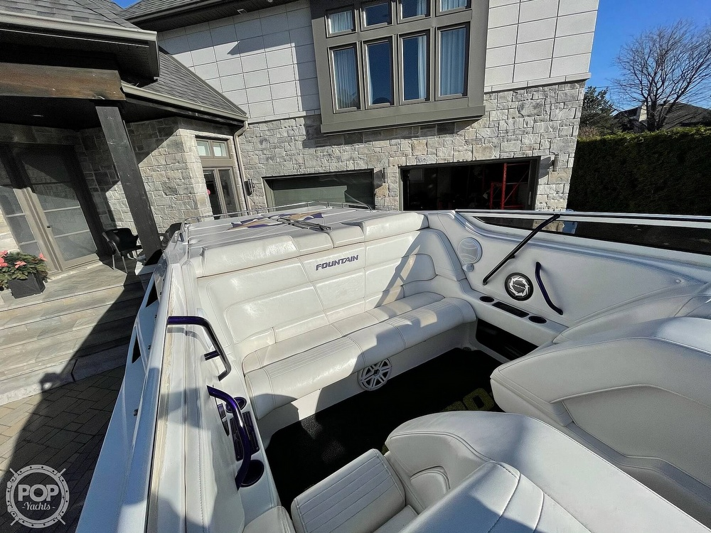 2005 Fountain boat for sale, model of the boat is Lightning 47 & Image # 3 of 40