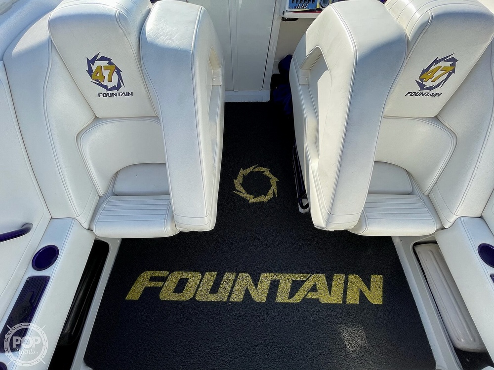 2005 Fountain boat for sale, model of the boat is Lightning 47 & Image # 5 of 40