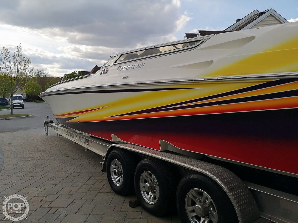 2005 Fountain boat for sale, model of the boat is Lightning 47 & Image # 9 of 40