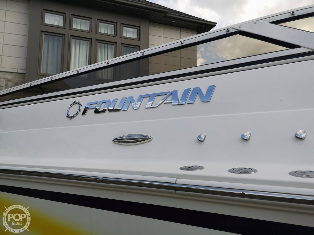 2005 Fountain boat for sale, model of the boat is Lightning 47 & Image # 13 of 40