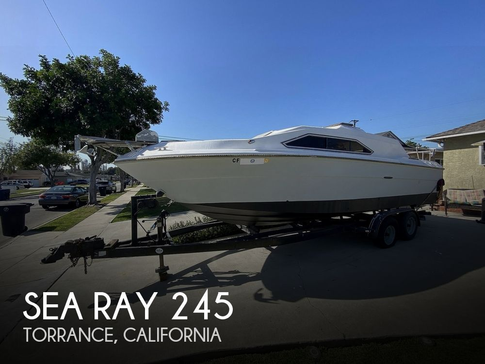1982 Sea Ray boat for sale, model of the boat is 245 Sundancer & Image # 1 of 40