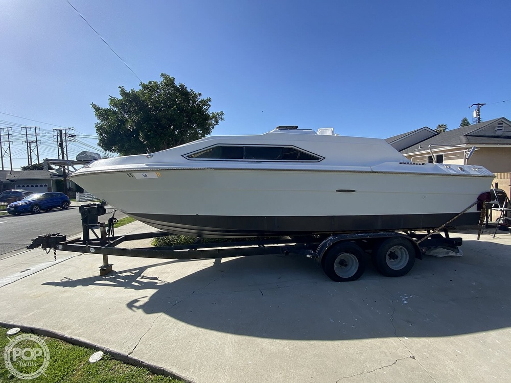 1982 Sea Ray boat for sale, model of the boat is 245 Sundancer & Image # 3 of 40