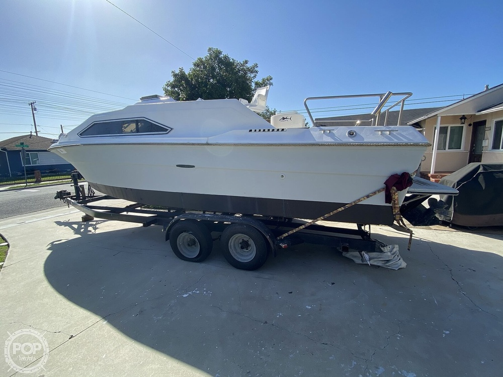 1982 Sea Ray boat for sale, model of the boat is 245 Sundancer & Image # 4 of 40